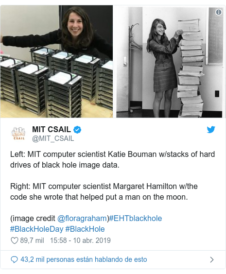 Publicación de Twitter por @MIT_CSAIL: Left  MIT computer scientist Katie Bouman w/stacks of hard drives of black hole image data. Right  MIT computer scientist Margaret Hamilton w/the code she wrote that helped put a man on the moon.(image credit @floragraham)#EHTblackhole #BlackHoleDay #BlackHole
