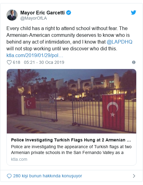 @MayorOfLA tarafından yapılan Twitter paylaşımı: Every child has a right to attend school without fear. The Armenian-American community deserves to know who is behind any act of intimidation, and I know that @LAPDHQ will not stop working until we discover who did this.