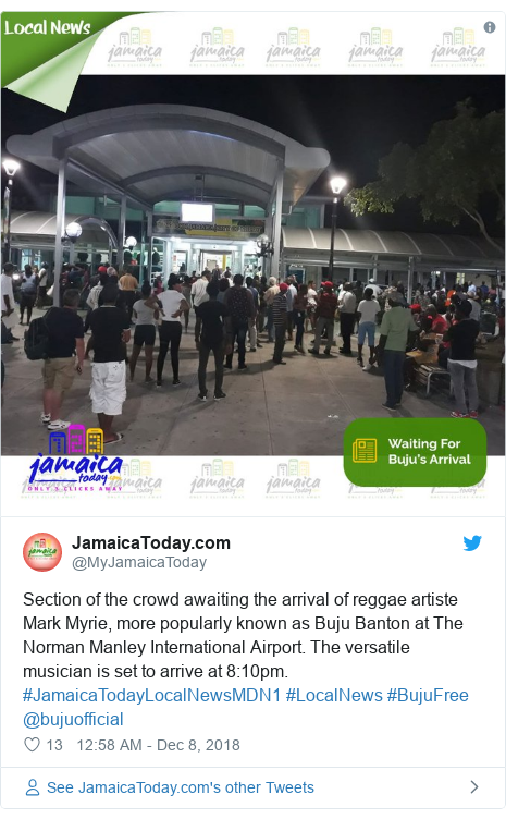 Twitter post by @MyJamaicaToday: Section of the crowd awaiting the arrival of reggae artiste Mark Myrie, more popularly known as Buju Banton at The Norman Manley International Airport. The versatile musician is set to arrive at 8 10pm. #JamaicaTodayLocalNewsMDN1 #LocalNews #BujuFree @bujuofficial