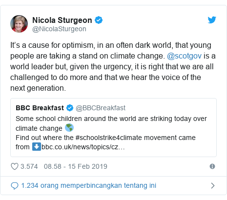 Twitter pesan oleh @NicolaSturgeon: It's a cause for optimism, in an often dark world, that young people are taking a stand on climate change. @scotgov is a world leader but, given the urgency, it is right that we are all challenged to do more and that we hear the voice of the next generation.