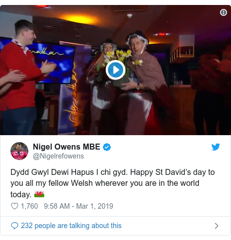 Twitter post by @Nigelrefowens: Dydd Gwyl Dewi Hapus I chi gyd. Happy St David's day to you all my fellow Welsh wherever you are in the world today. 🏴