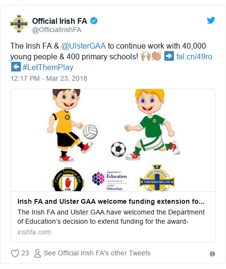 Twitter post by @OfficialIrishFA: The Irish FA & @UlsterGAAto continue work with 40,000 young people & 400 primary schools! 🙌🏽👏🏽 ➡️  ⬅️ #LetThemPlay
