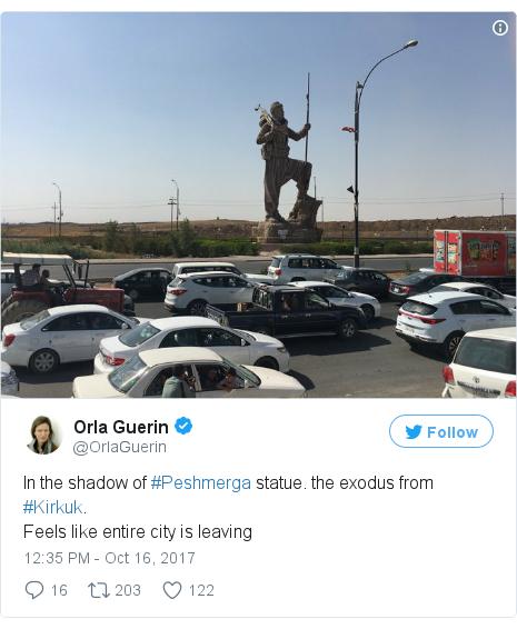 @OrlaGuerin tərəfindən edilən Twitter paylaşımı: In the shadow of #Peshmerga statue. the exodus from #Kirkuk.Feels like entire city is leaving