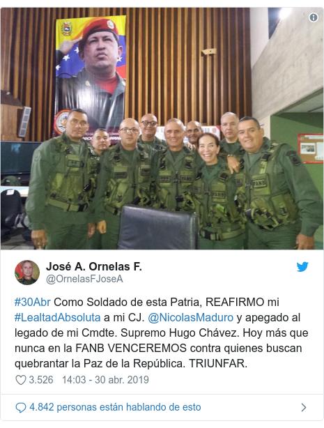 Publicación de Twitter por @OrnelasFJoseA: #30Abr Como Soldado de esta Patria, REAFIRMO mi #LealtadAbsoluta a mi CJ. @NicolasMaduro y apegado al legado de mi Cmdte. Supremo Hugo Chávez. Hoy más que nunca en la FANB VENCEREMOS contra quienes buscan quebrantar la Paz de la República. TRIUNFAR.