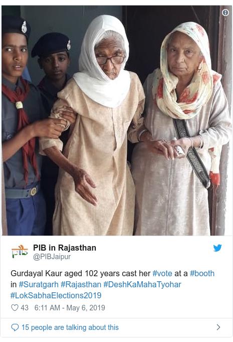 Twitter post by @PIBJaipur: Gurdayal Kaur aged 102 years cast her #vote at a #booth in #Suratgarh #Rajasthan #DeshKaMahaTyohar #LokSabhaElections2019
