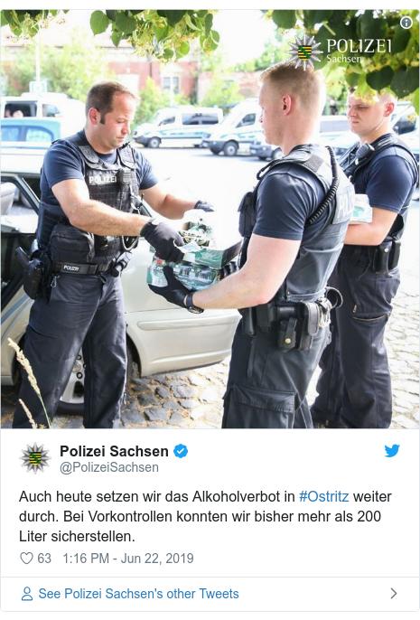 Twitter post by @PolizeiSachsen: Auch heute setzen wir das Alkoholverbot in #Ostritz weiter durch. Bei Vorkontrollen konnten wir bisher mehr als 200 Liter sicherstellen.
