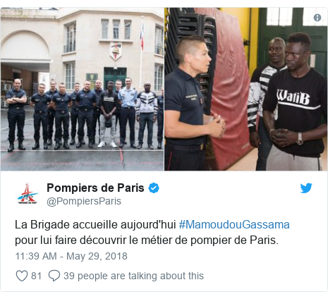 Twitter post by @PompiersParis: La Brigade accueille aujourd'hui #MamoudouGassama pour lui faire découvrir le métier de pompier de Paris.