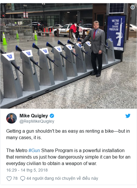 Twitter bởi @RepMikeQuigley: Getting a gun shouldn't be as easy as renting a bike—but in many cases, it is. The Metro #Gun Share Program is a powerful installation that reminds us just how dangerously simple it can be for an everyday civilian to obtain a weapon of war.