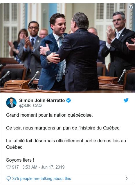 Twitter post by @SJB_CAQ: Grand moment pour la nation québécoise. Ce soir, nous marquons un pan de l'histoire du Québec.La laïcité fait désormais officiellement partie de nos lois au Québec. Soyons fiers !