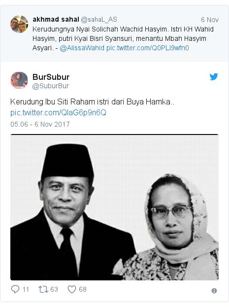 Twitter pesan oleh @SuburBur: Kerudung Ibu Siti Raham istri dari Buya Hamka..