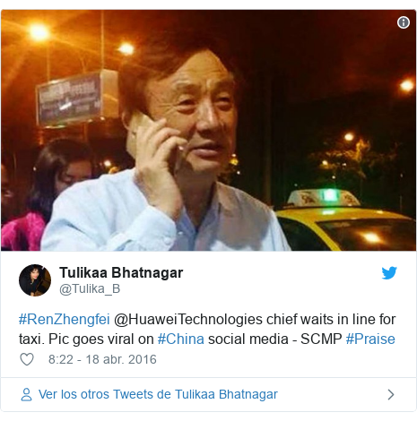 Publicación de Twitter por @Tulika_B: #RenZhengfei @HuaweiTechnologies chief waits in line for taxi. Pic goes viral on #China social media - SCMP #Praise