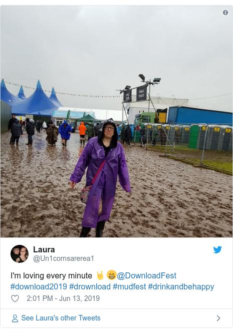Twitter post by @Un1cornsarerea1: I'm loving every minute 🤘😁@DownloadFest #download2019 #drownload #mudfest #drinkandbehappy