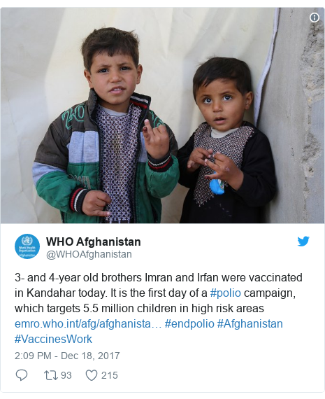 د @WHOAfghanistan په مټ ټویټر  تبصره : 3- and 4-year old brothers Imran and Irfan were vaccinated in Kandahar today. It is the first day of a #polio campaign, which targets 5.5 million children in high risk areas  #endpolio #Afghanistan #VaccinesWork