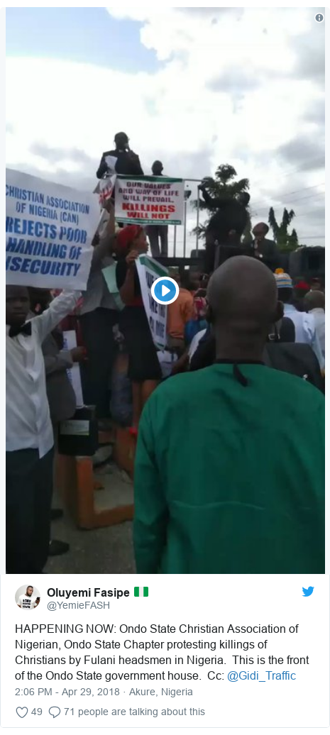 Twitter post by @YemieFASH: HAPPENING NOW  Ondo State Christian Association of Nigerian, Ondo State Chapter protesting killings of Christians by Fulani headsmen in Nigeria.  This is the front of the Ondo State government house.  Cc  @Gidi_Traffic