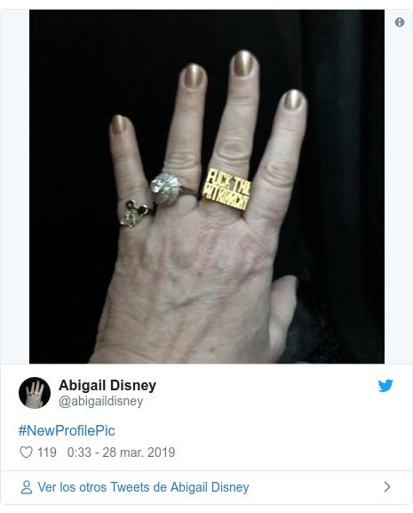 Publicación de Twitter por @abigaildisney: #NewProfilePic