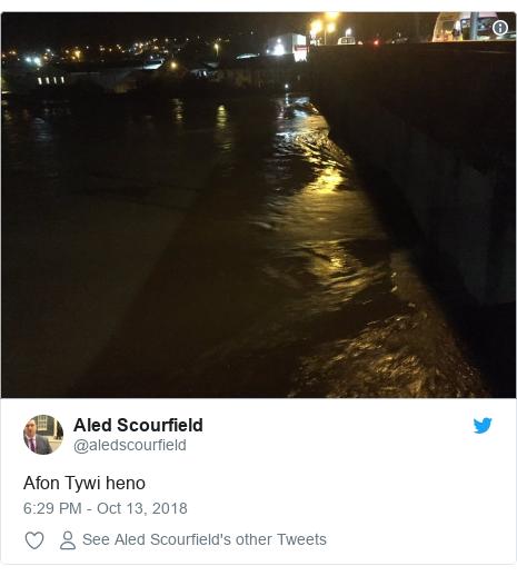 Neges Twitter gan @aledscourfield: Afon Tywi heno