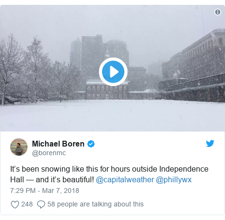 Twitter post by @borenmc: It's been snowing like this for hours outside Independence Hall — and it's beautiful! @capitalweather @phillywx