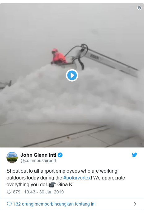 Twitter pesan oleh @columbusairport: Shout out to all airport employees who are working outdoors today during the #polarvortex! We appreciate everything you do! 📹  Gina K