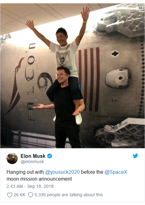 Twitter post by @elonmusk: Hanging out with @yousuck2020 before the @SpaceX moon mission announcement