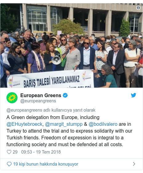@europeangreens tarafından yapılan Twitter paylaşımı: A Green delegation from Europe, including @EHuytebroeck, @margit_stumpp & @bodilvalero are in Turkey to attend the trial and to express solidarity with our Turkish friends. Freedom of expression is integral to a functioning society and must be defended at all costs.