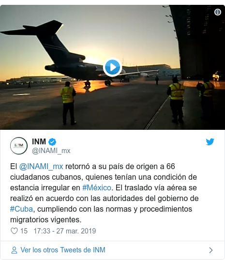 Publicación de Twitter por @INAMI_mx: El @INAMI_mx retornó a su país de origen a 66 ciudadanos cubanos, quienes tenían una condición de estancia irregular en #México. El traslado vía aérea se realizó en acuerdo con las autoridades del gobierno de #Cuba, cumpliendo con las normas y procedimientos migratorios vigentes.
