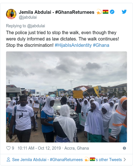 Twitter wallafa daga @jabdulai: The police just tried to stop the walk, even though they were duly informed as law dictates. The walk continues! Stop the discrimination! #HijabIsAnIdentity #Ghana