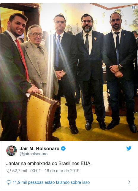 Twitter post de @jairbolsonaro: Jantar na embaixada do Brasil nos EUA.