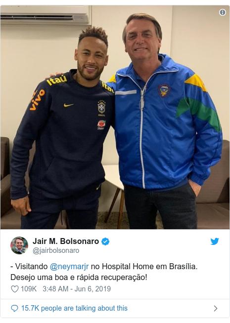 Twitter post by @jairbolsonaro: - Visitando @neymarjr no Hospital Home em Brasília. Desejo uma boa e rápida recuperação!