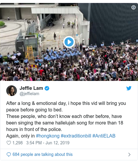 Twitter post by @jeffielam: After a long & emotional day, i hope this vid will bring you peace before going to bed.These people, who don't know each other before, have been singing the same hallelujah song for more than 18 hours in front of the police. Again, only in #hongkong #extraditionbill #AntiELAB