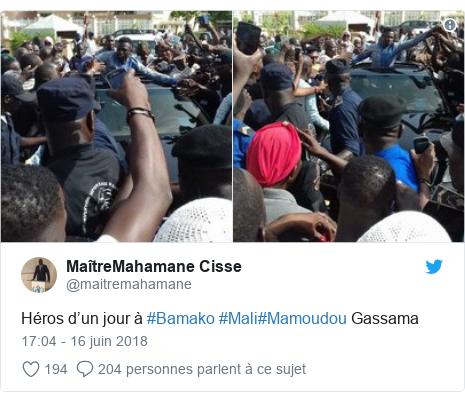 Twitter publication par @maitremahamane: Héros d'un jour à #Bamako #Mali#Mamoudou Gassama