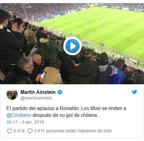 Publicación de Twitter por @martinainstein: El partido del aplauso a Ronaldo. Los tifosi se rinden a @Cristiano después de su gol de chilena.