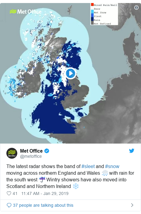 Twitter post by @metoffice: The latest radar shows the band of #sleet and #snow moving across northern England and Wales 🌨️ with rain for the south west ☔️ Wintry showers have also moved into Scotland and Northern Ireland ❄️