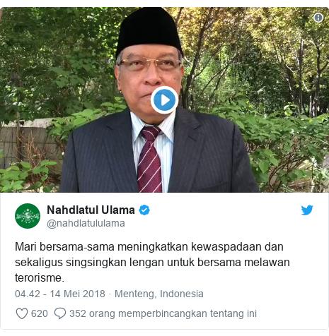 Twitter pesan oleh @nahdlatululama: Mari bersama-sama meningkatkan kewaspadaan dan sekaligus singsingkan lengan untuk bersama melawan terorisme.