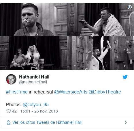 Publicación de Twitter por @nathanieljhall: #FirstTime in rehearsal @WatersideArts @DibbyTheatre Photos  @cefyou_95