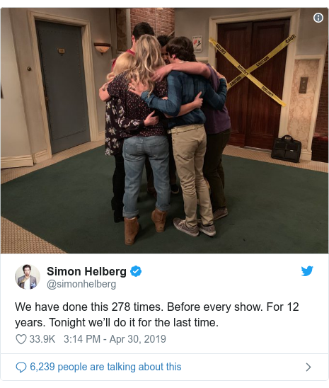 Twitter post by @simonhelberg: We have done this 278 times. Before every show. For 12 years. Tonight we'll do it for the last time.