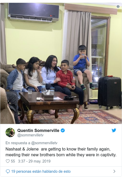 Publicación de Twitter por @sommervilletv: Nashaat & Jolene  are getting to know their family again, meeting their new brothers born while they were in captivity.