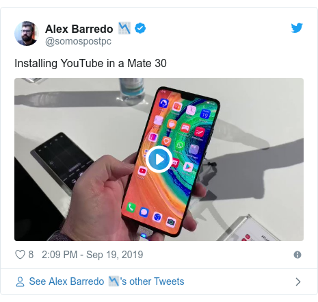 Twitter post by @somospostpc: Installing YouTube in a Mate 30