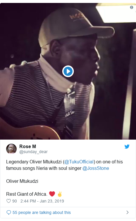 Twitter ubutumwa bwa @sunday_dear: Legendary Oliver Mtukudzi (@TukuOfficial) on one of his famous songs Neria with soul singer @JossStone Oliver Mtukudzi Rest Giant of Africa. ❤️ ✌️