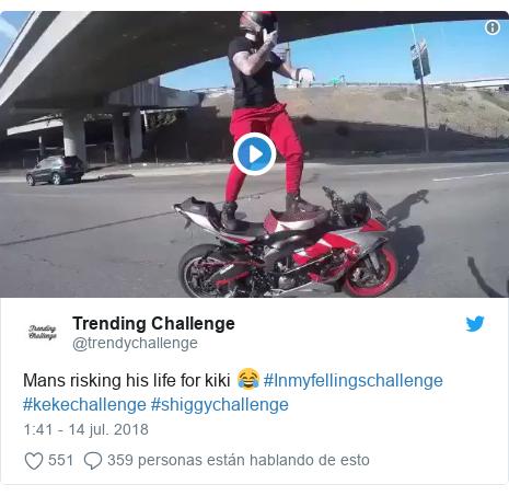 Publicación de Twitter por @trendychallenge: Mans risking his life for kiki 😂 #Inmyfellingschallenge #kekechallenge #shiggychallenge