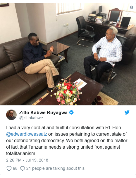 Ujumbe wa Twitter wa @zittokabwe: I had a very cordial and fruitful consultation with Rt. Hon @edwardlowassatz on issues pertaining to current state of our deteriorating democracy. We both agreed on the matter of fact that Tanzania needs a strong united front against totalitarianism