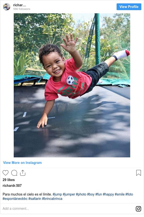 Publicación de Instagram por richardr.507: Para muchos el cielo es el límite. #jump #jumper #photo #boy #fun #happy #smile #foto #espontáneobbc #saltarin #brincabrinca