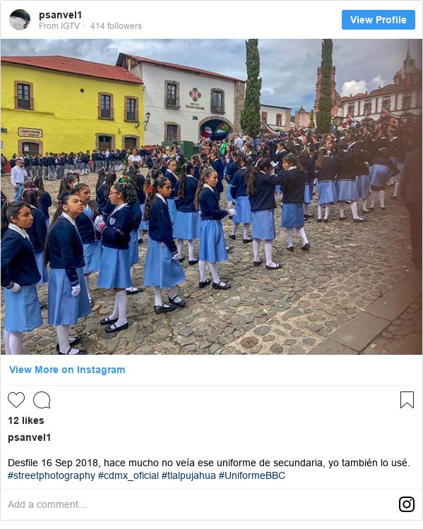 Publicación de Instagram por psanvel1: Desfile 16 Sep 2018,  hace mucho no veía ese uniforme de secundaria, yo también lo usé. #streetphotography #cdmx_oficial #tlalpujahua #UniformeBBC