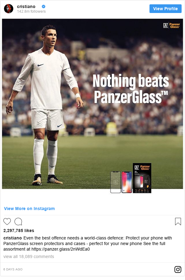 Publicación de Instagram por cristiano: Even the best offence needs a world-class defence  Protect your phone with PanzerGlass screen protectors and cases - perfect for your new phone  See the full assortment at https //panzer.glass/2nWdEa0
