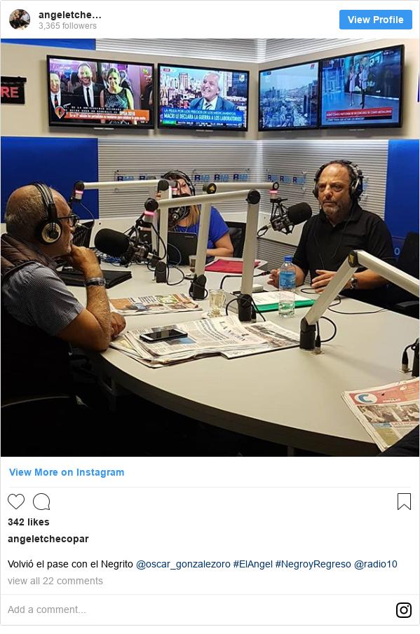 Instagram post by angeletchecopar: Volvió el pase con el Negrito @oscar_gonzalezoro #ElAngel #NegroyRegreso @radio10