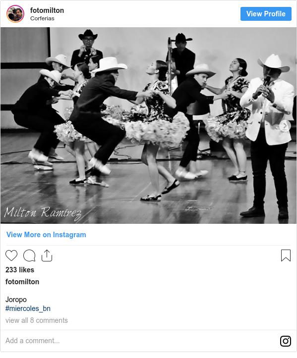 Publicación de Instagram por fotomilton: Joropo  #miercoles_bn