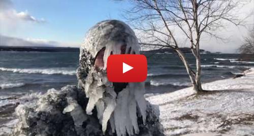 யூடியூப் இவரது பதிவு Jerry Mills: Surfing Lake Superior in sub zero winter
