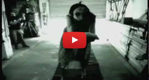 Publicación de Youtube por Mama: Mama - Movement Test