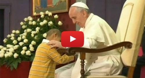 Publicación de Youtube por BBC News Mundo: El niño que le robó el show al Papa en el Vaticano