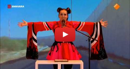 Youtube post by Oliver's Wereld: Sanne Wallis de Show - Netta ''Toy'' (Anti Israel Lied)