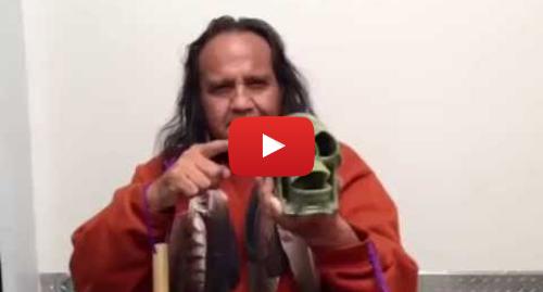 Publicación de Youtube por Xavier Quijas Xyayotl: The Death Whistle made from Jade Stone
